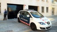 Un vehicle dels Mossos trasllada els detinguts per presumpte maltractament a l'Audiència, aquest dissabte a Tarragona