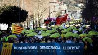 Imatge de la manifestació contra el judici de l'1-O, aquest diumenge a Sant Sebastià