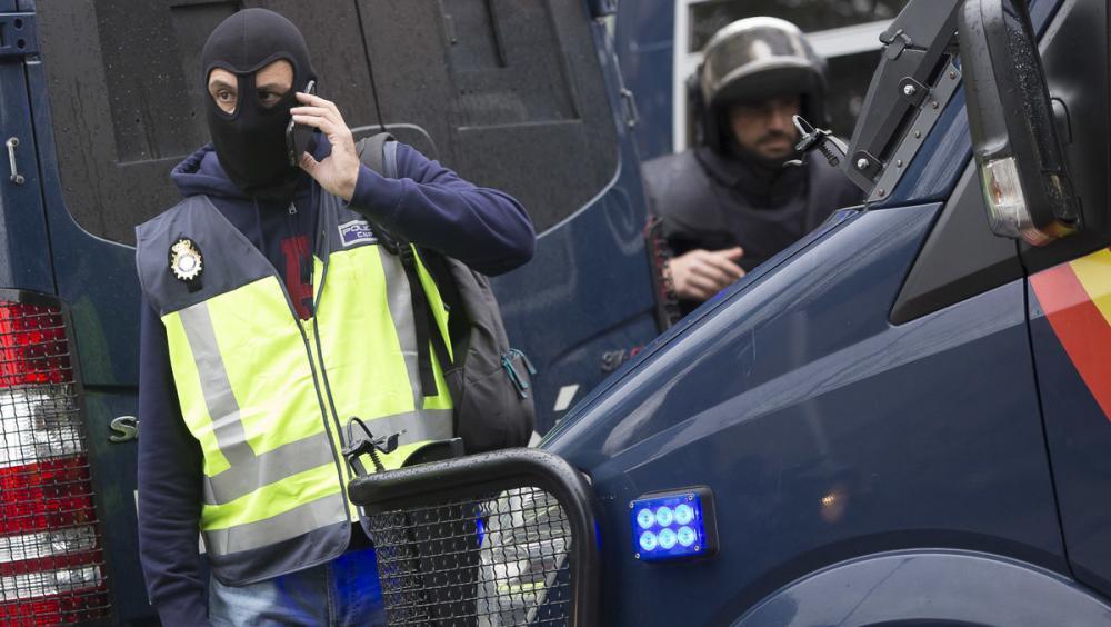 Agents de la policia espanyola durant una actuació l'1 d'octubre de 2017, a Barcelona