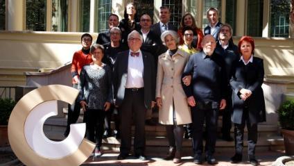 Foto de família dels premiats i els membres del CoNCA