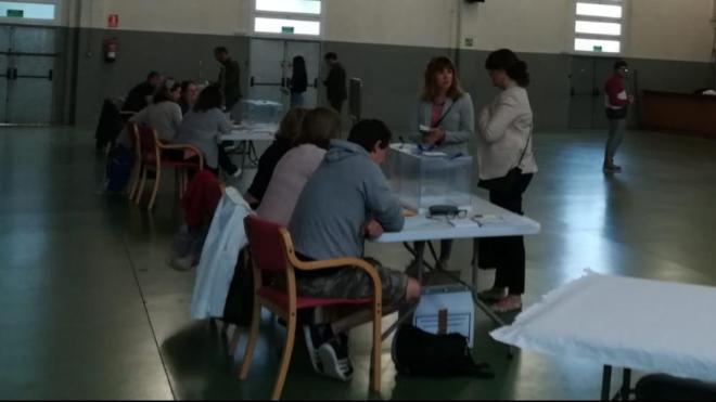 Primers votants a Quart (Gironès)