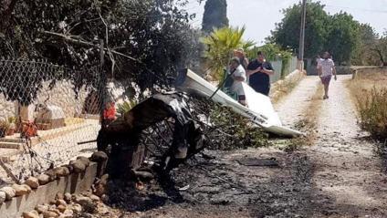 Imatge de les restes d'un dels aparells accidentats, aquest diumenge a Mallorca
