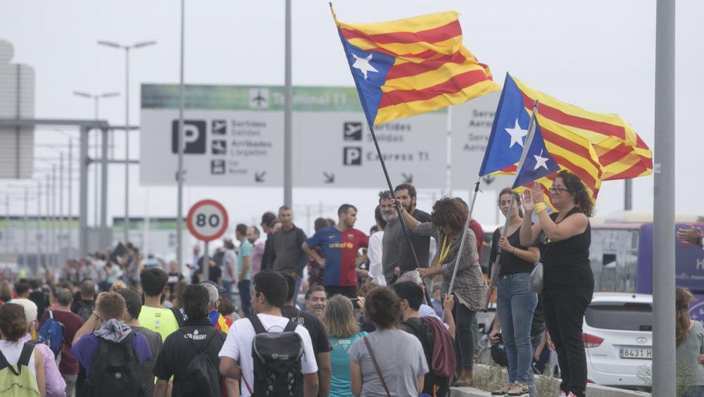 Concentració de protesta contra la sentència, aquest dilluns al Prat de Llobregat