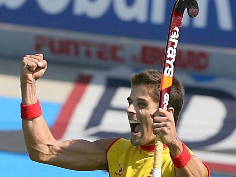 Pol Amat celebra, en una imatge d'arxiu, el gol que va donar el triomf a Espanya en l'europeu del 2005. Foto:EFE