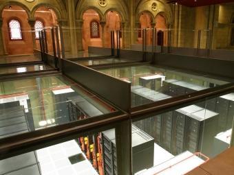 El superordinador MareNostrum està instal·lat en l'antiga capella de Torre Girona, al campus de la UPC ARXIU