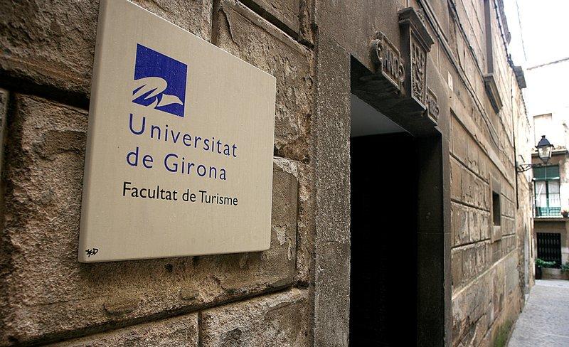 Trasllat Forcos De La Facultat De Turisme De Girona Per L Estat
