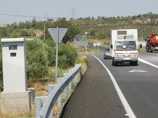 El radar se situa al bell mig del carril d'incorporació a l'N-240 des de l'Espluga.  M. MARTÍNEZ