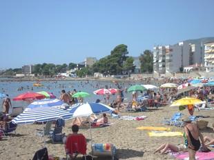 La platja de Sant Carles de la Ràpita, plena. A.PORTA