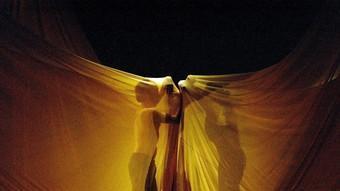 Assaig de l'espectacle de dansa Dunas, de Maria Pagés i Sidi Larbi Cherkaoui, ahir al Municipal de Girona. EUDALD PICAS
