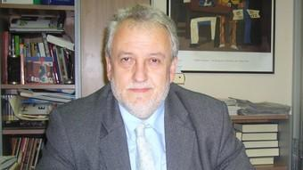Francesc Cayuela al seu despatx.  A.V