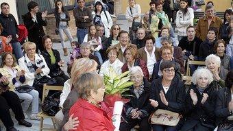 L'entrega dels premis del concurs de flors, amb l'alcaldessa, Anna Pagans, al centre. JULIETA SOLER