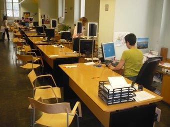 A les administracions és on hi ha més risc d'absentisme presencial.  Foto:LLUIS MARTÍNEZ