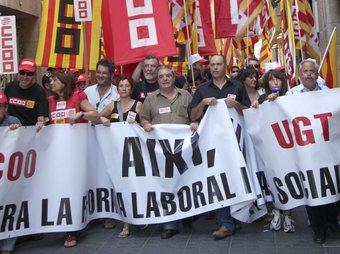 Manifestació a Tarragona contra la reforma laboral.  Foto:JUDIT FERNÀNDEZ