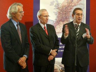 Joan Amorós, a la dreta, amb el president de la Cambra de Barcelona, Miquel Valls, en una presentació  Arxiu