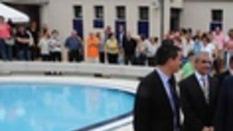 Un moment de la inauguració de les piscines.