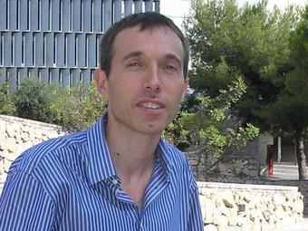 Josep Domingo, al campus de la Universitat Rovira i Virgili de Tarragona. J.MARTINOY