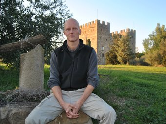 Baltasar de Casanova, al castell de la Ràpita, on viu.  david marin