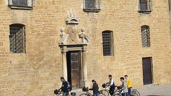 El castell de la Bisbal d'Empordà, antic palau episcopal residència dels bisbes de Girona, constitueix una extraordinària mostra de l'arquitectura civil de l'edat mitjana.  AICCBE / DANIEL PUNSETI