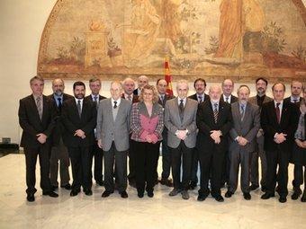 Els consellers Marina Geli i Josep Huguet al costat de Josep Carreras en la presentació del nou Institut de Recerca AVUI