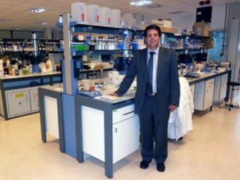 El director executiu del Centre Tecnològic Leitat, Albert Matarrodona, al laboratori químic de la seu estrenada l'octubre d'aquest any a Terrassa JORDI ALEMANY