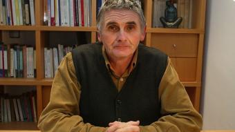 Xavier Uriarte fotografiat al centre de Girona on visita JOAN SABATER