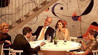 Les tres parelles protagonistes de 'Celebració', en un restaurant 'cool' de Barcelona ideat per Paco Azorín. MANEL LLADÓ