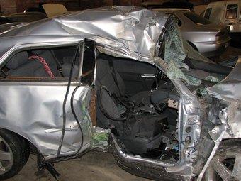 Estat en el que va quedar el vehicle de la víctima després de l'accident mortal a la C-13, a la Noguera ACN