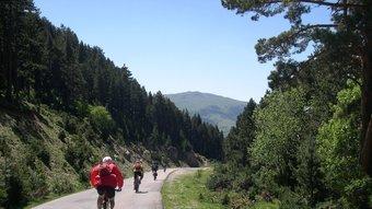 El primer tram de la ruta permet conèixer el naixement del riu i admirar el paisatge característic dels Pirineus.  CONSORCI ALBA TER