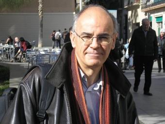 El professor García Carpintero durant l'entrevista a Barcelona J.MARTINOY