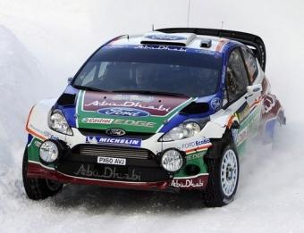 Hirvonen, en un tram del Ral·li de Suècia, camí del primer triomf del Ford Fiesta RS WRC. EFE