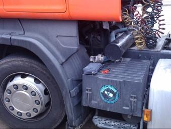 les eines que els lladres es van deixar damunt del camió