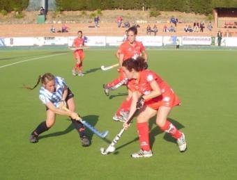 Una acció del duel entre l'Egara i la Real Sociedad, que es van emportar les basques.  CDT