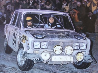 Salvador Servià i Jordi Sabater passen pel coll de Turini, en l'edició de l'any 1977 del Ral·li de Montecarlo. EL 9