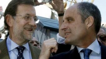 Rajoy amb Camps durant la seua visita a València per Falles. REDACCIÓ