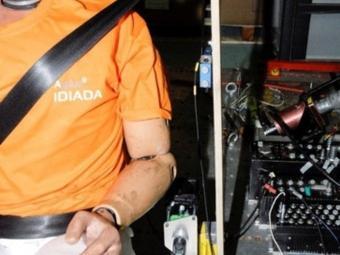Aplicat al cinturó de seguretat, el sensor controla el moviment del passatger. EL PUNT