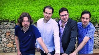 Els emprenedors de Modpow, Jordi Barceló (esquerra), Alexandre Roca, Vicent Ferrándiz i Alexandre Sala.  ROBERT RAMOS