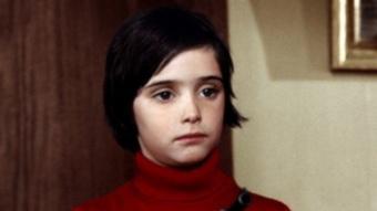 Ana Torrent a 'Cría cuervos', pel·lícula dirigida el 1975 per Carlos Saura i reestrenada ara a Gran Bretanya ARXIU