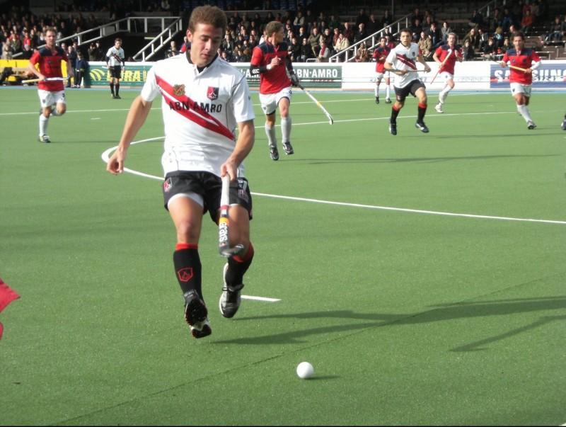 Santi Freixa durant un partit de lliga amb l'Amsterdam, amb qui va guanyar l'última edició de la lliga holandesa ARXIU