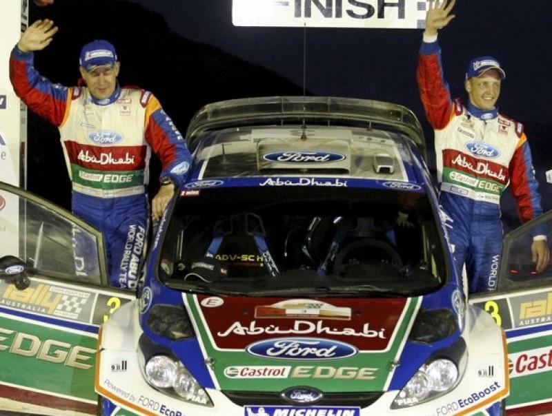 Mikko Hirvonen , a la dreta, i Jarmo Lehtinen celebren el seu tercer triomf al Ral·li d'Austràlia. Foto:FORD M-SPORT