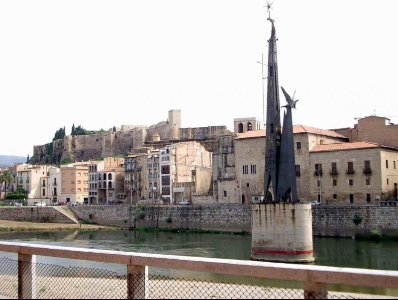 Tortosa és una de les poblacions catalanes amb més estoc en proporció al parc d'habitatges.  Foto:ARXIU