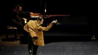 Israel Galván, ballarí renovador del flamenc, en un moment del'espectacle 'La curva' FÈLIX VÁZQUEZ