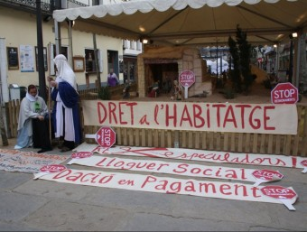 Una acció contra els desnonaments i a favor de la dació en pagament, a Blanes  Foto:ARXIU
