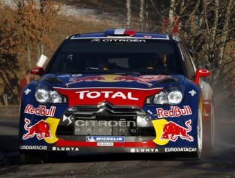 Sébastien Loeb , a tota velocitat en un dels trams del Ral·li de Montecarlo. Foto:CITROËN RACING