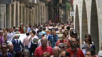 El carrer Ciutadans ple de gent. MANEL LLADÓ