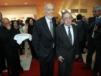 Josep Maria Castellet (esquerra) i Max Cahner en el 50 aniversari d'Edicions 62.  ARXIU /JUANMA RAMOS
