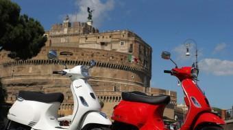 Clàssica o esportiva. Dues personalitats per a una Vespa amb l'essència interna renovada gràcies al motor de 125 cc i 3 vàlvules.
