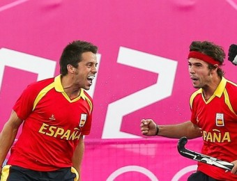 Sallés, Quemada, Fernández i Tubau celebren un gol de la selecció espanyola EFE / SRDJAN SUKI