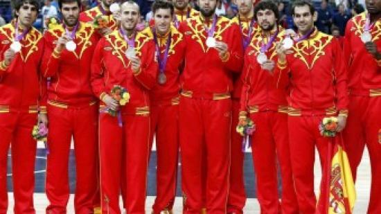 Els jugadors de la selecció espanyola de bàsquet s'enduran 348.000 euros per la medalla de plata Foto:EFE