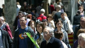 Diada de Sant Jordi del 2012 a la Rambla de Barcelona: l'independentisme català avui és integrador, segons diuen els experts QUIM PUIG /ARXIU