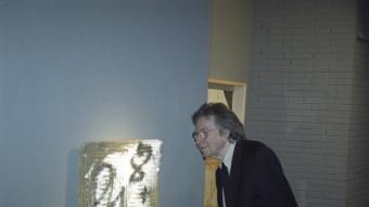 L'any 2001, a l'exposició 'Tàpies: matèries, signes, evocacions i poemes' l'artista va presentar quaranta olis, escultures i pintures MANEL LLADÓ